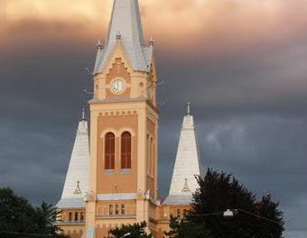 Reconsécration de la cathédrale de Saint Martin à Mukachevo