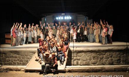Valahol Európában c. musical Beregszászban