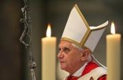 XVI. Benedek pápa lemond péteri szolgálatáról
