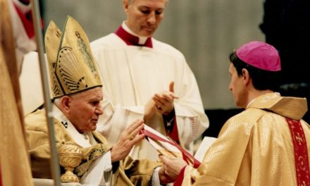 Istenben keresem a békémet – Interjú Majnek Antal püspökkel