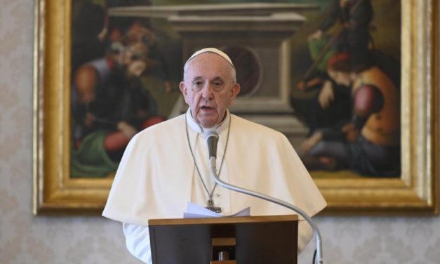 Világméretű közös imádságra hív a világjárvány idején Ferenc pápa március 25-re