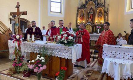 Nevetlenfalu templomában búcsút tartottak a Szent Kereszt tiszteletére