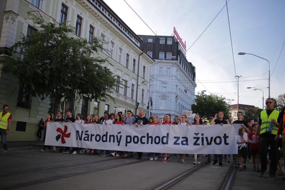 Národného pochodu za život v Bratislave sa zúčastnilo 50 tis. ľudí