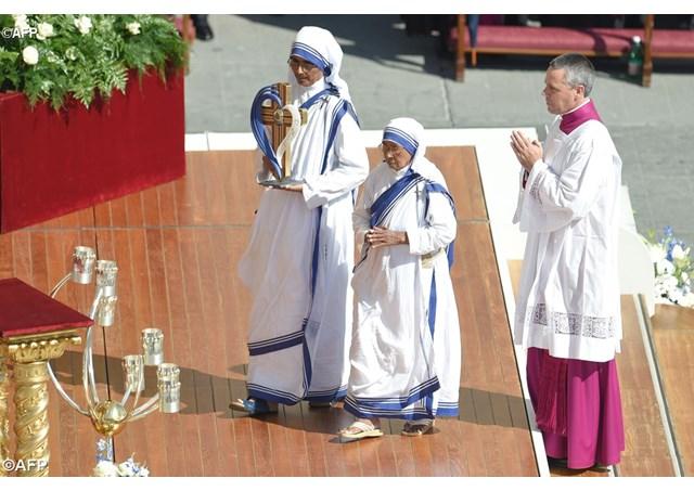 Папа Франциск проголосив Матір Терезу з Калькутти святою