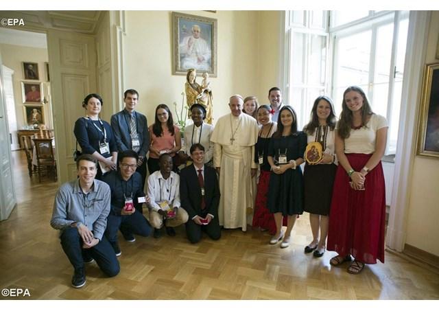 Лист Папи Франциска до молоді світу з нагоди наступного Синоду Єпископів