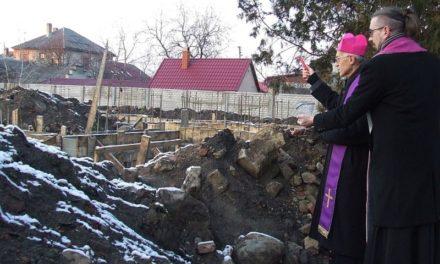 У Берегові заклали камінь під майбутню римо-католицьку церкву