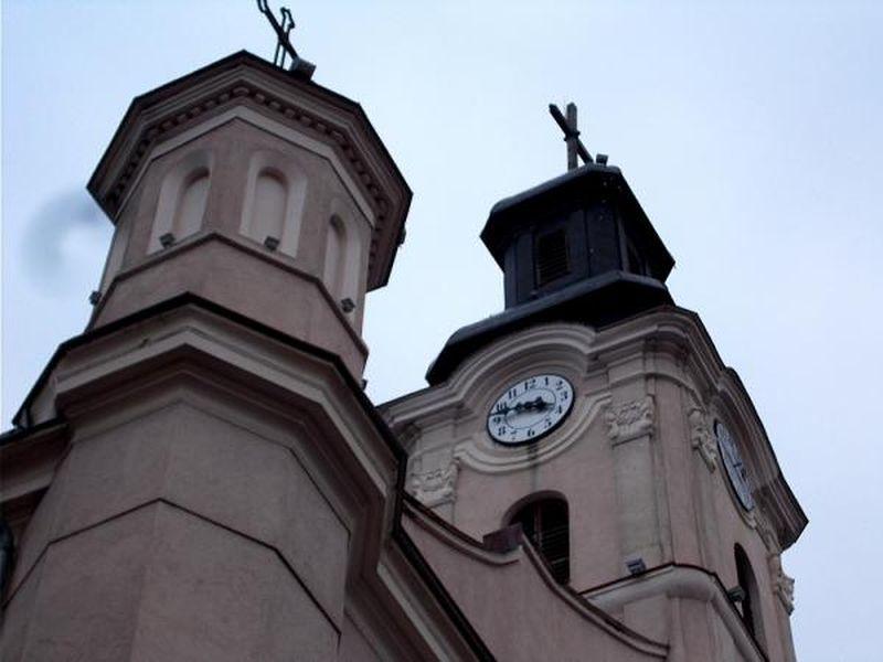 В Ужгороді знову працює годинник на вежі римо-католицької церкви