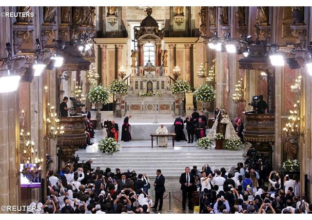 Папа: Покликання індивідуальне, але воно вчиняє нас частиною спільноти
