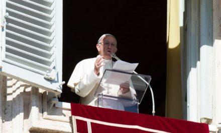 Папа: Людину занечищує гріх, а не хвороба