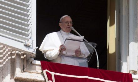 Папа: Якщо хочеш пізнати Ісуса, вдивляйся у хрест