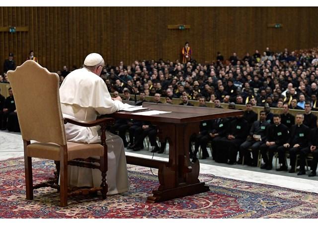 Папа до священиків: бути «отцями», а не «Божими службовцями»