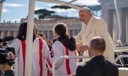 Папа: Через Святе Причастя Ісус перемінює нас у Себе