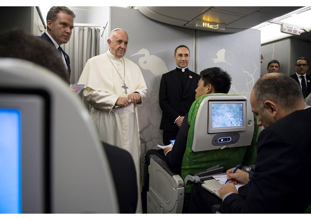 Папа: Наш час потребує якісної і доброї журналістики