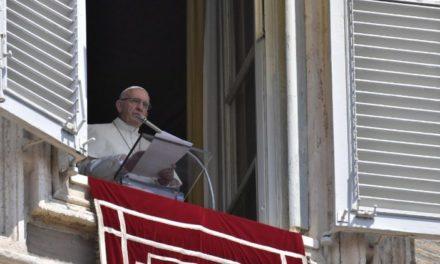 Молитва Папи за всіх, які страждають тілом і душею