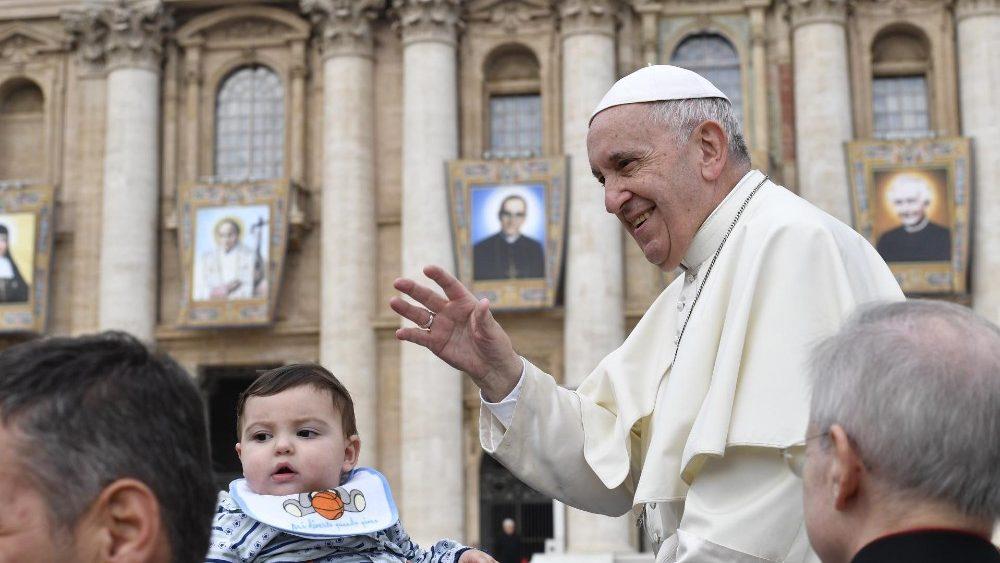 Папа: Ігнорувати, ображати та зневажати ближнього – це форма вбивства