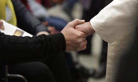 Папа: Ніколи не забуваймо казати: «Отче»