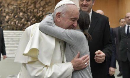Папа: молодь – це закваска миру в світі