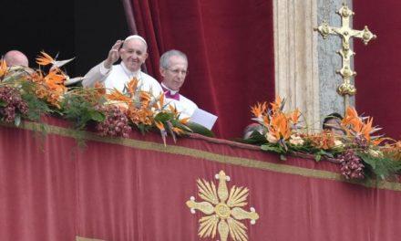 Папа Франциск бажає миру Україні та розради страждаючим