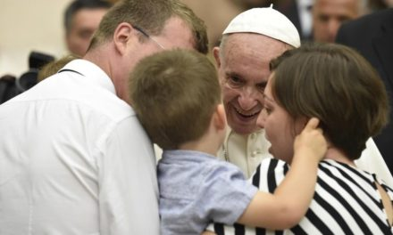 Папа: Любов – це форма стосунків між Господніми учнями