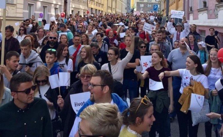У Словаччині пройшов 50 тисячний марш за припинення абортів