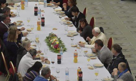 ІІІ Всесвітній день бідних: обід у Ватикані для 1500 потребуючих