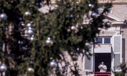Папа: Очікувати на прихід Христа, відкриваючи серце на ближніх