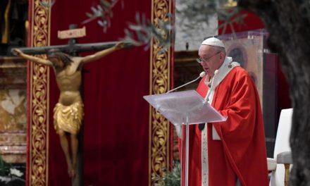 """Папа: Сказати """"так"""" любові, без """"якщо"""" і без """"але"""""""