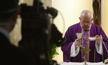Папа про істину, яка визволяє. Молитва за працівників ЗМІ