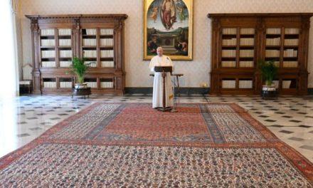 Папа: Якщо Христос воскрес, то можемо з довір'ям дивитися на кожну подію
