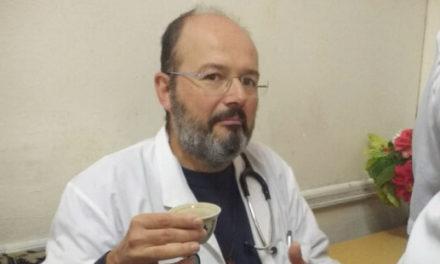 Італійський священик, лікар за фахом, на час пандемії повернувся до лікарні