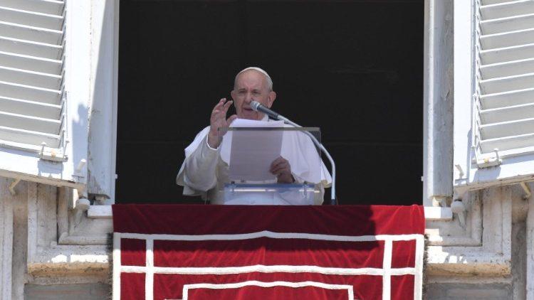 Папа: Не слід боятися тих, які хочуть погасити апостольський запал насильством