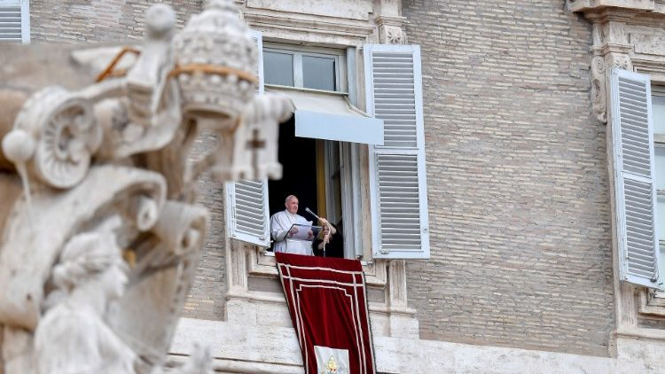 Папа: Пресвята Євхаристія – джерело єдності з Богом і спільності між нами