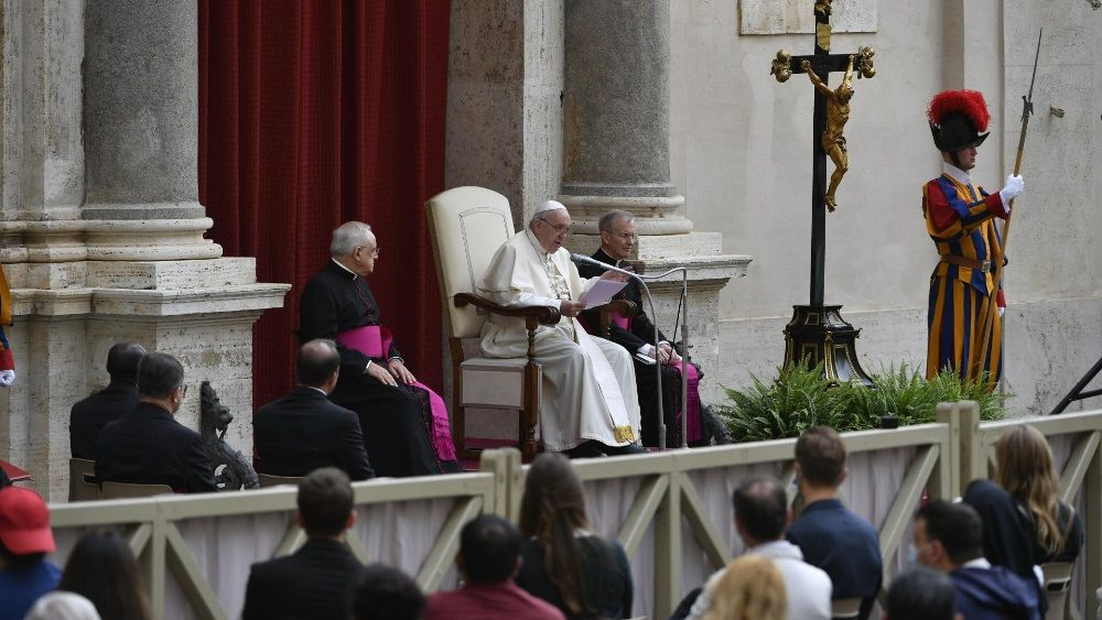Папа: Солідарність – дорога до відновлення. Засіб не вартує більше, ніж людина
