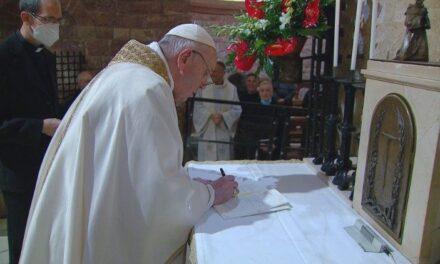 Папа підписав свою третю енцикліку