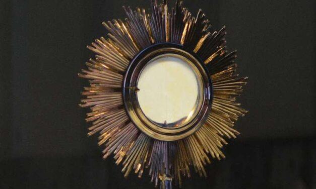Католиків усього світу запрошують до участі в глобальній Адорації напередодні Міжнародного Євхаристійного конгресу