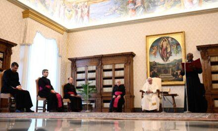 Папа: Молитва – штурвал Ісусового життя та місії