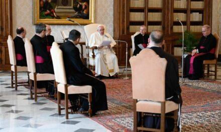 Папа: Двигуном місії є молитва