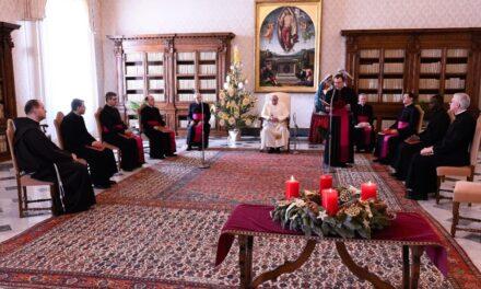 Папа: Той, хто молиться, ніколи не повертається до світу спиною