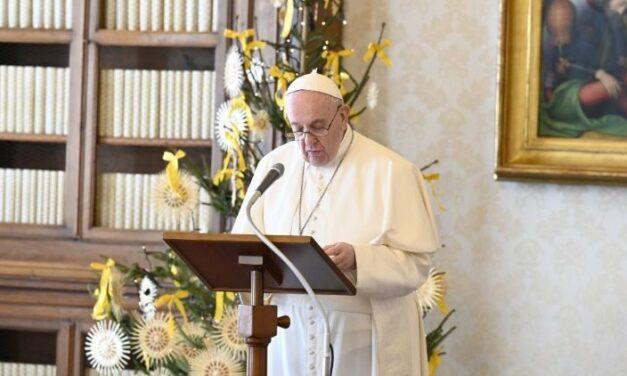 Папа: Нехай Господь, народжений у Вифлеємі, дарує сім'ям спокій і єдність