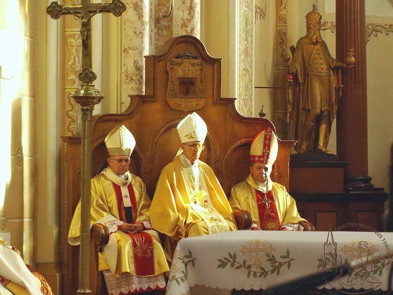 Подячна Служба Божа з нагоди 25-річчя єпископських свячень Антала Майнека