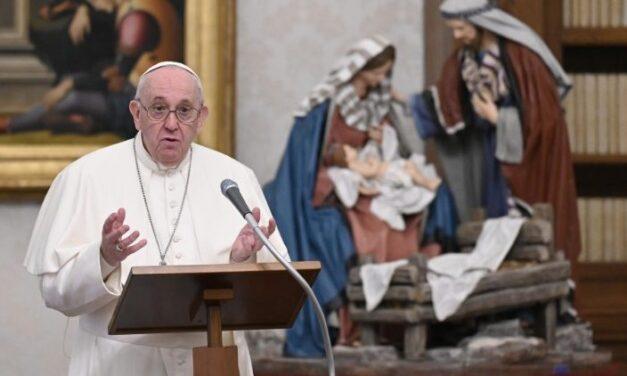 Папа: Бог став тілом, аби сказати, що любить нас у наших слабкостях