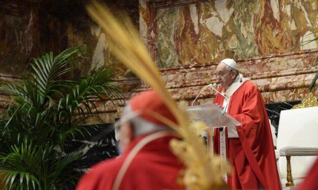 Папа: Вмираючи люблячи, Ісус об'явив Своє Богосинівство
