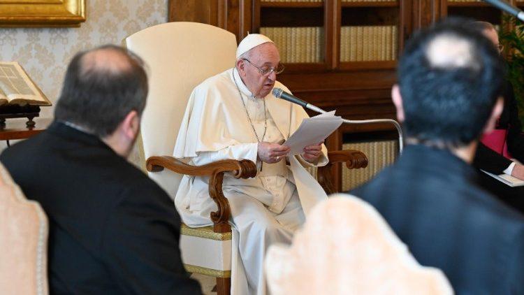 Папа про візит до Іраку: братерство немов пальма зростає без галасу