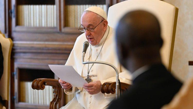 Папа: Усна молитва – суттєвий елемент християнського життя