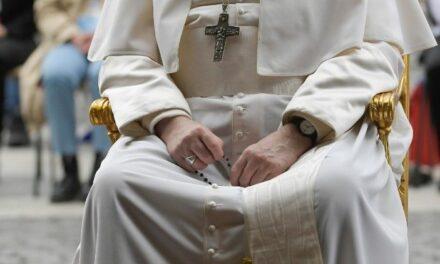 Папа запрошує на «молитовний марафон» протягом травня
