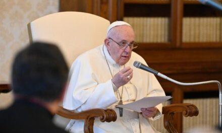 Папа: Основне завдання Церкви – молитися та навчати молитися