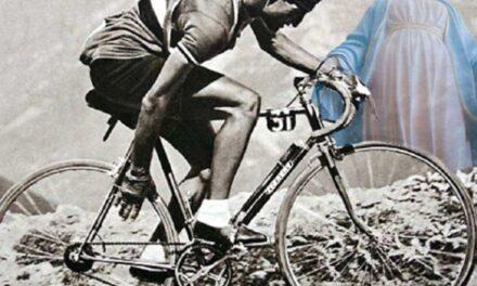 """""""Святий"""" на велосипеді: в Ассізі вшанували пам'ять чемпіона велогонок і вірного католика, який врятував 800 євреїв від нацистів"""