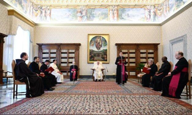 Папа: Не існує протиставлення між дією та спогляданням