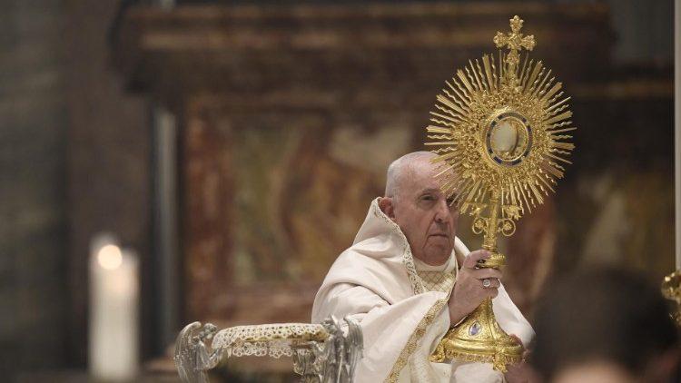 Папа: Коли причащаємося, Ісус надає нового сенсу нашій крихкості