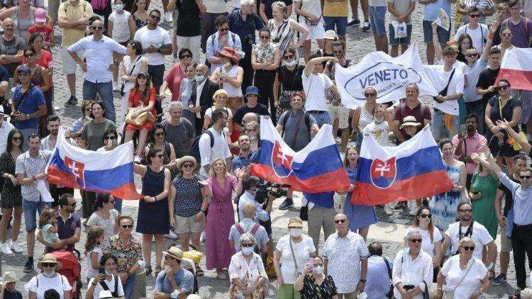 Словацькі єпископи запрошують духовно готуватись до візиту Папи